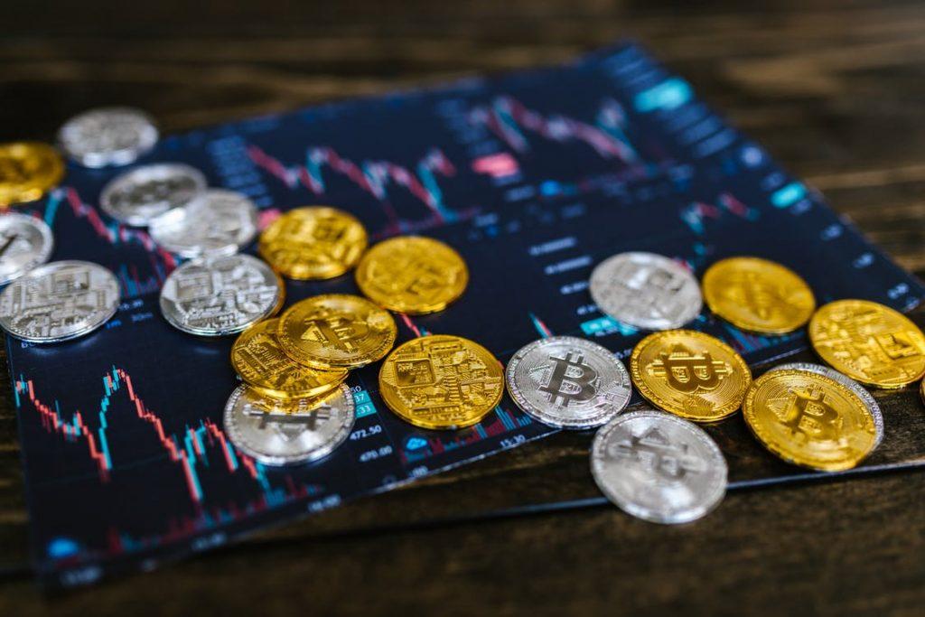 urmăriți videoclipul și câștigați bitcoin